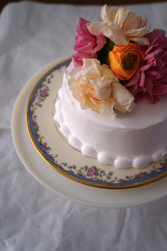 DIY Mini Wedding Cake with Fresh Flower Topper